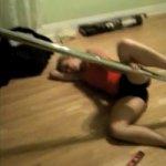 Os 10 Mais Engraçados Vídeos de Quedas de Mulheres no Pole Dance